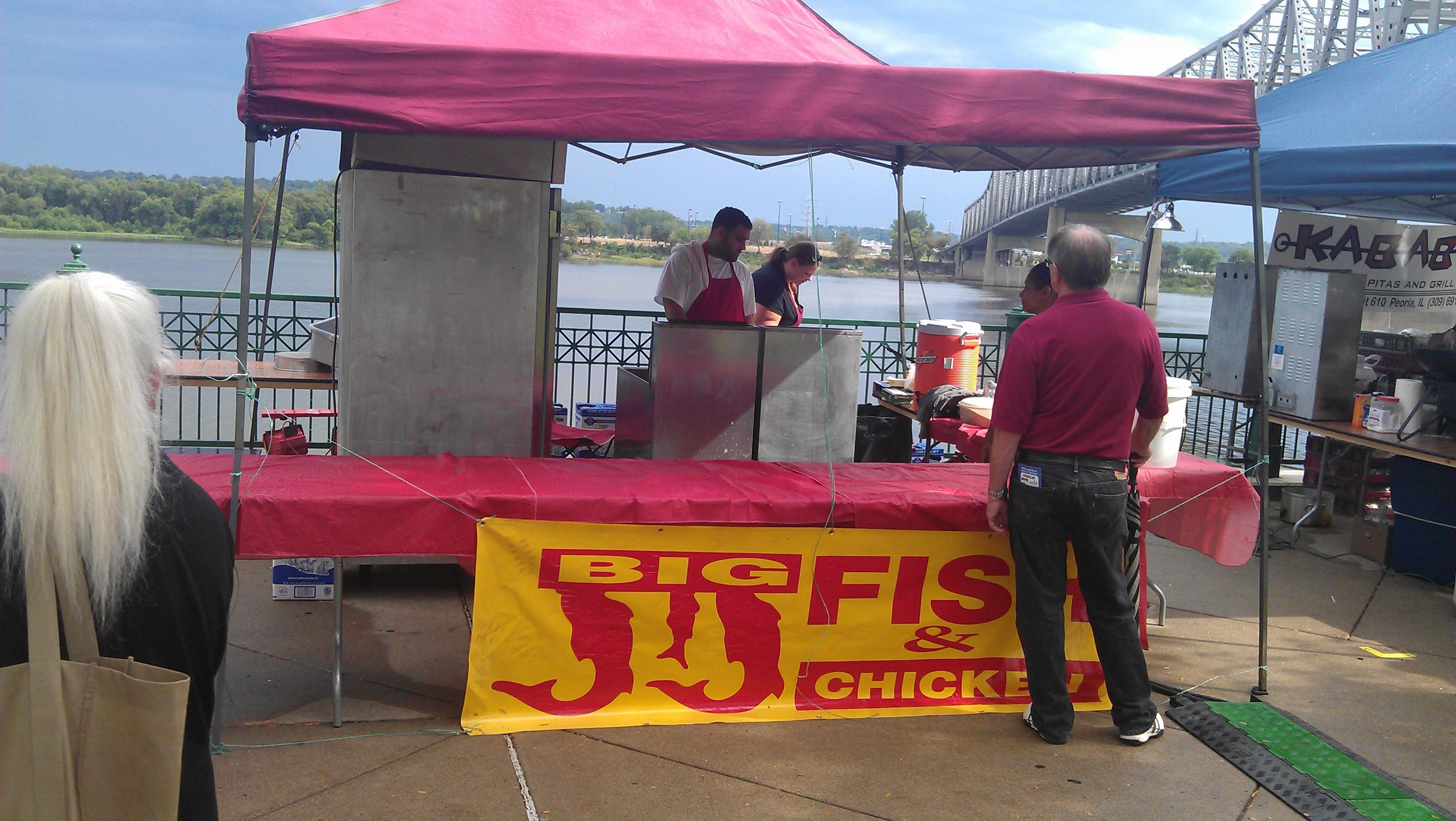 Big jj fish chicken at the 2012 taste of peoria big for Jj chicken and fish menu